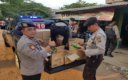 Polisi Amankan Pasangan Mesum dan Miras Dari Losmen Milik Kepala Kampung