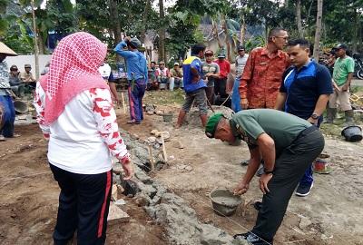 Kodim 0421/Lampung Selatan Peduli Membantu Masyarakat Bergotong Royong
