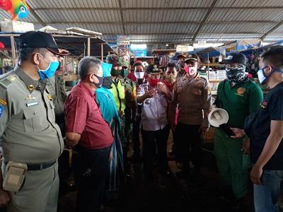 Sosialisasikan Program New Normal Oleh Forkopimcam Kecamatan Pungur Di Pasar Kota Gajah