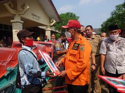 Gapoktan Lampung Tengah Peroleh Bantuan Dari Bupati Lampung Tengah