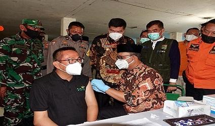 Bupati Musa Ahmad Hadiri Kegiatan Vaksinasi Massal Di Plaza Bandar Jaya Lampung Tengah