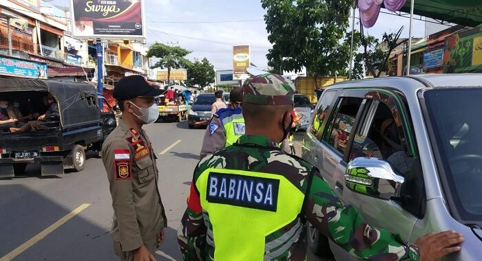 Kapolres Lampung Utara Lakukan Kegiatan Penyekatan Dan Pemeriksaan Kendaraan Arus balik